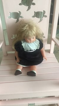 Beautiful collectible doll over 35 years old Belleview, 34420