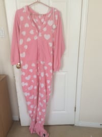pink and white polka dot long sleeve dress New Tecumseth, L9R