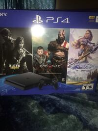 PS4(1TB)W/ 2 Wireless Controllers, New Call Of Duty