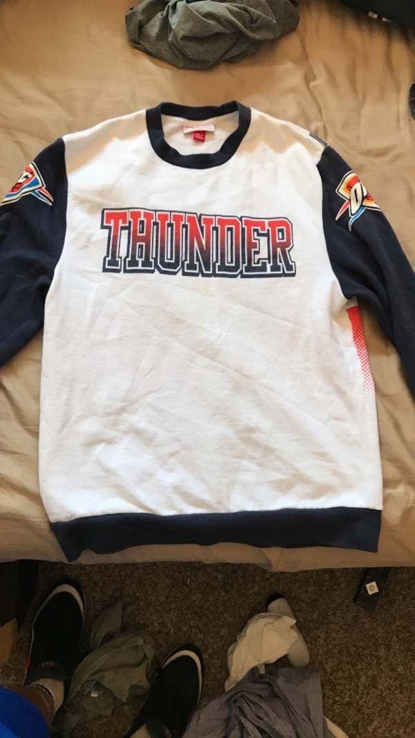 on sale e43f8 cc097 Oklahoma City Thunder Sweater Medium