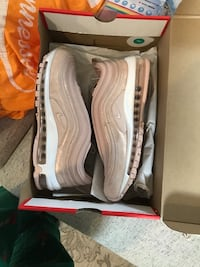 BRAND NEW NIKE AIR MAX WOMENS 9 Knoxville, 37912