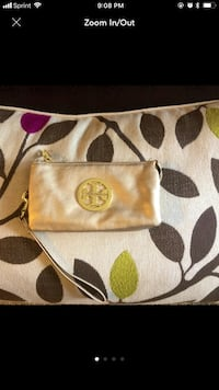 beige and brown Coach leather wristlet Damascus, 20872