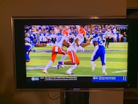 42 inch Sony Bavera Television With Stand Chantilly, 20151