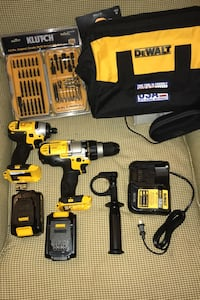 Dewalt 20 volt max  drill set with driver bit set