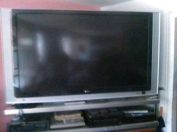 Sony 70 inch DLP 1080 TV with remote control