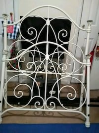 Beautiful twin iron girl's bed w/ rails