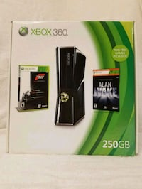 Xbox 360 S bundle with extra controller & 7 games  Santa Ana, 92707