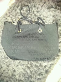 Micheal kors purse  Cincinnati, 45223