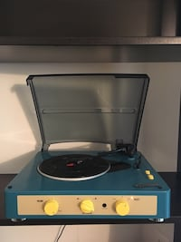 Gadhouse Vintage Record player Centreville, 20120