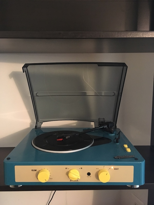 Gadhouse Vintage Record player