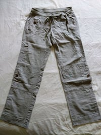 Women grey linen/cotton pant size 1 fits like 1-3 you can roll up and