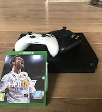 Xbox One X med 2 kontrollere + FIFA 18 Sandnes, 4308