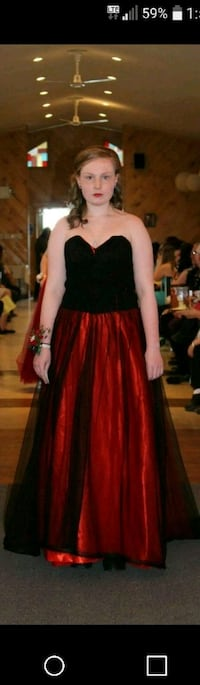 women's black and red sleeveless dress St. John's, A1A 4Y2