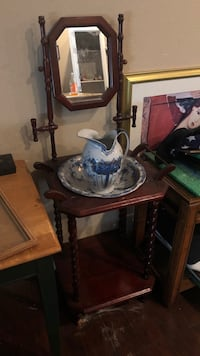 Vintage wash basin with wood stand and mirror Lathrop, 95330