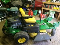 green and yellow John Deere ride-on mower Severn, 21144