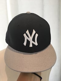 NEW! New Era New York Yankees hat  Aurora, L4G 3G3