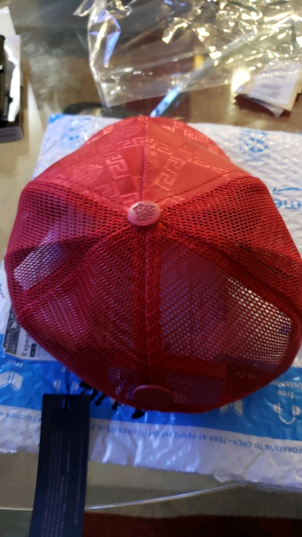 VERSACE HAT RED WITH GOLDEN SIZE XL ITALY NEW 9531bbc0-3791-4c2e-8cf4-9eb3bc8d2fab