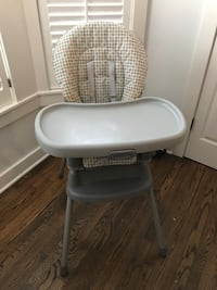 baby's white and gray Graco high chair Clifton, 20124