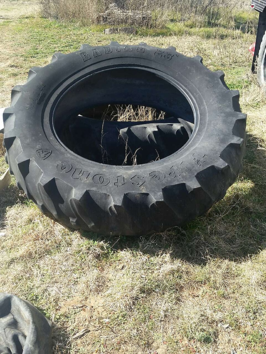 Large Tractor Wheels : Used large tractor tires in abilene