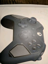 black and gray Xbox One controller Oshawa