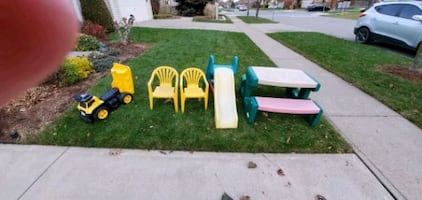 Kids slide, chairs, picnic table