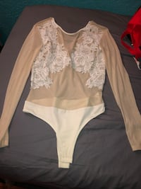White and beige floral long-sleeved bodysuit  Fresno, 93702