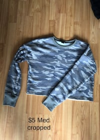 Camo crop sweater 8/10 Cambridge, N1R