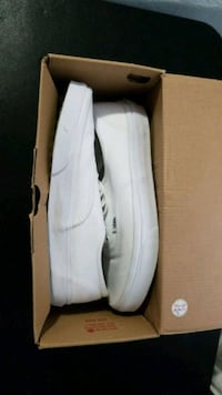 All white lowtop vans size 9 Providence, 02907