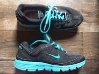 Nike black blue 8.5 Chattanooga