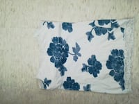 Aeropostale white and blue floral textile