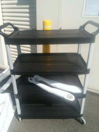 black and gray 3-layer rack Bloomfield, 06002