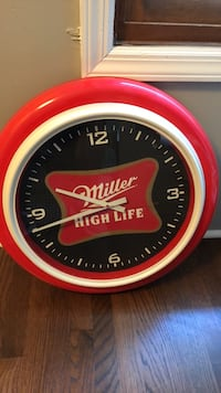 round red and white Budweiser analog wall clock Palos Park, 60464