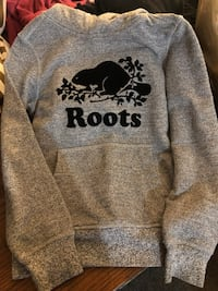 Gray and black kids roots hoodie size 7-8 Toronto, M4B 2T1
