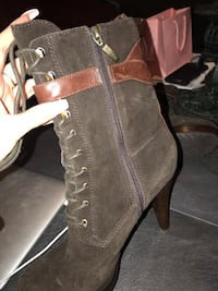 GUESS Brown suede lace up booties size 8.5 Hamilton, L8B 0R6