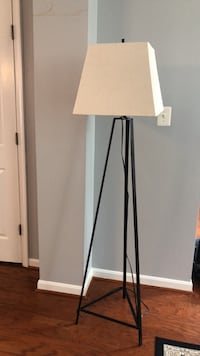 white and black floor lamp Ashburn, 20147