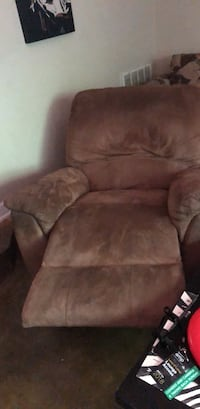brown suede recliner sofa chair Fayetteville, 72701