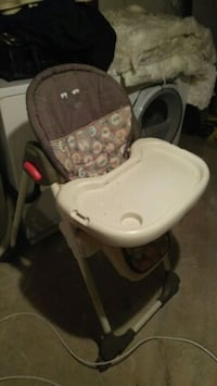 baby's gray and white highchair Regina, S4T 3X4