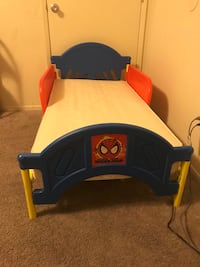 Spider-Man toddler bed with mattress   Los Angeles, 91606
