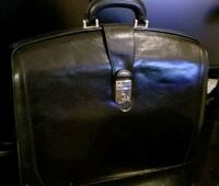 BOSCA 100% LEATHER BAG Value $600 Montreal