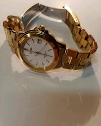 round gold-colored analog watch with link bracelet Detroit