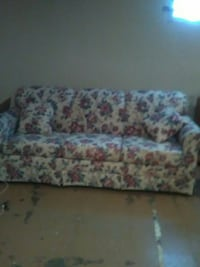 white and pink floral 3-seat couch Grandview, 64030