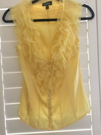 yellow button-up sleeveless top Roseville, 95747