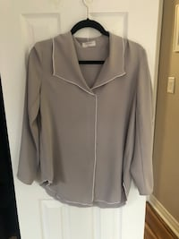 Babaton Blouse - Size Small *Worn Once* Pickering, L1V 1L8