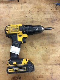 Dewalt DCD780 cordless drill impact driver with battery DCB201. Used