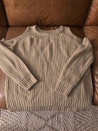 Beige sweater size small Toronto, M4P 1N7
