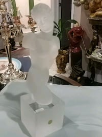 Exquisitely beautiful, Bohemia crystal statue, 14 inches Laval, H7G 2W7