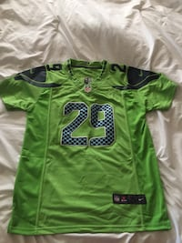 Official NFL Thomas jersey size men's med (fits like a small) New, paid over $80 but didn't fit my son. Official NFL jersey with stitching. Selah, 98942