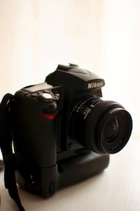 Nikon D90 WITH Nikkor 35mm f/2 Lens Dulles