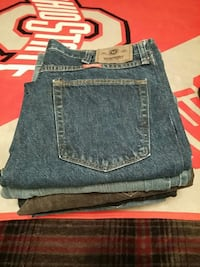 8 pairs of jeans size most are 34x30 7.00 each Coshocton, 43812