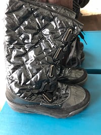 Almost new warm boots Markham, L3T 3H6